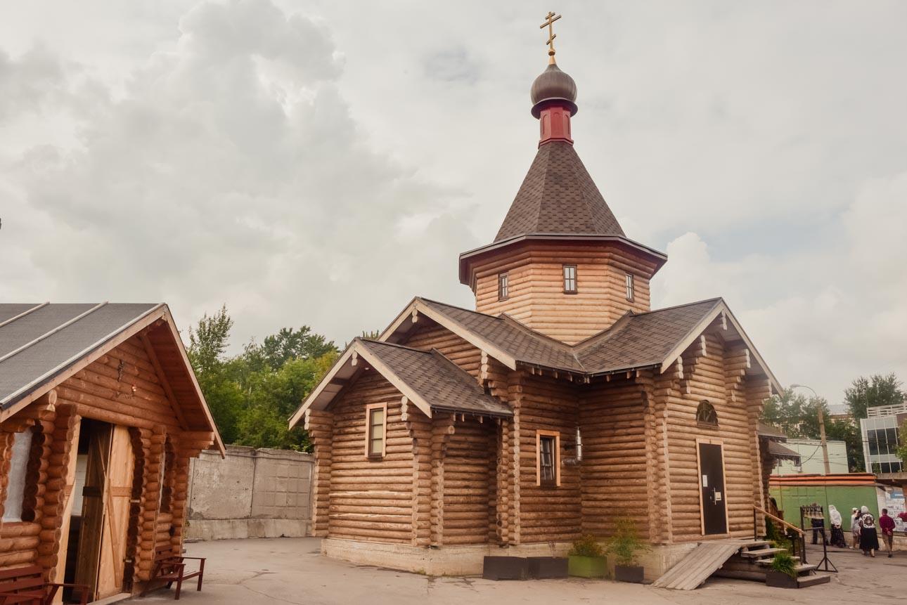Храм прп. Алексия, человека Божия, в Садовниках