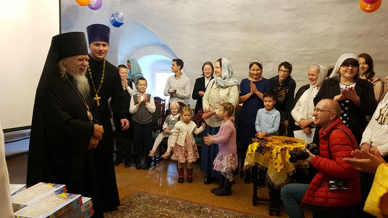 В Международный день глухих в Москве открылась первая воскресная школа для неслышащих детей