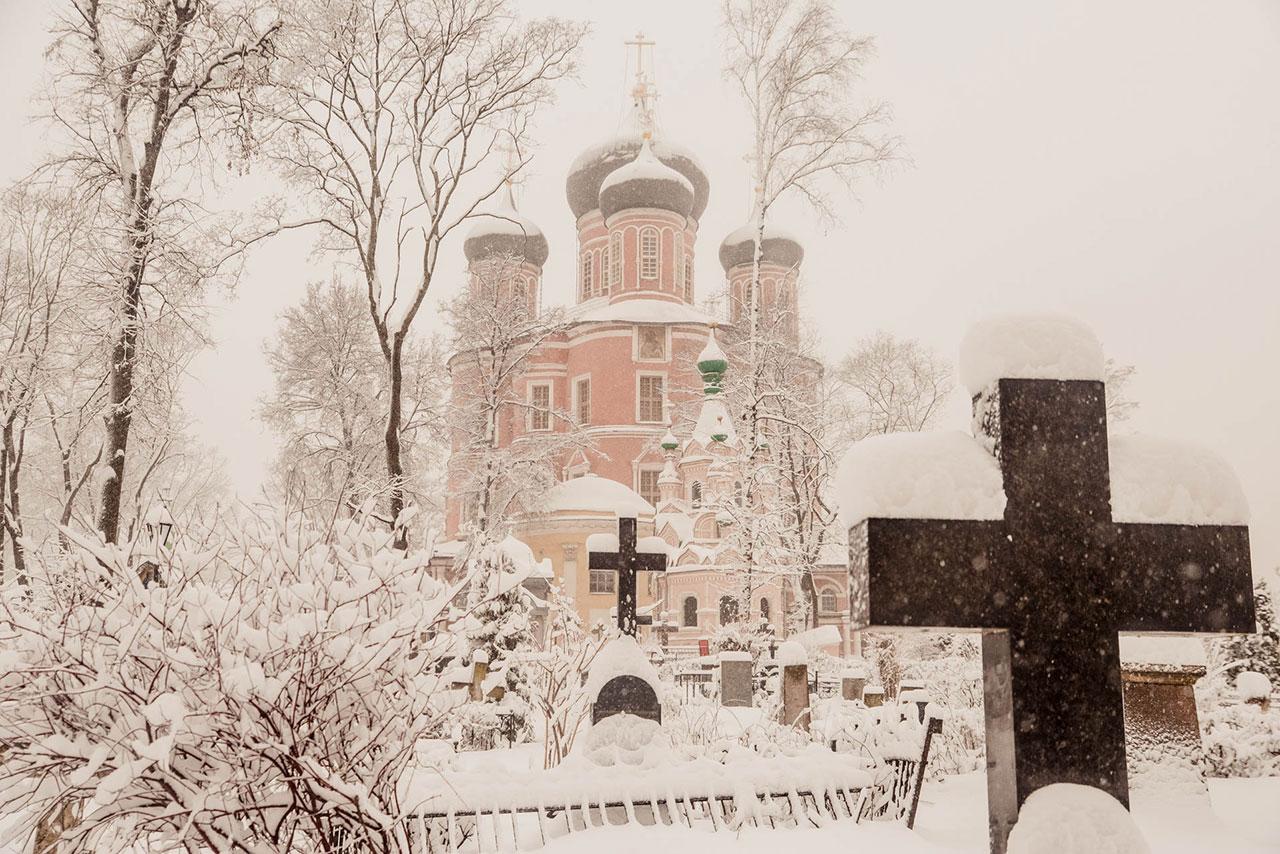 Ночная новогодняя Литургия в Донском монастыре