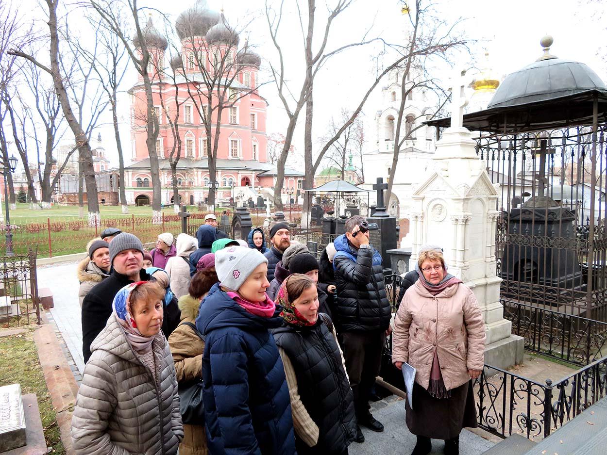 Донской монастырь приглашает гидов-переводчиков и экскурсоводов на акредитацию