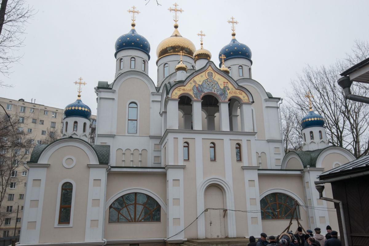 Храм святителя Николая Мирликийского в Бирюлеве, в Булатниковском проезде