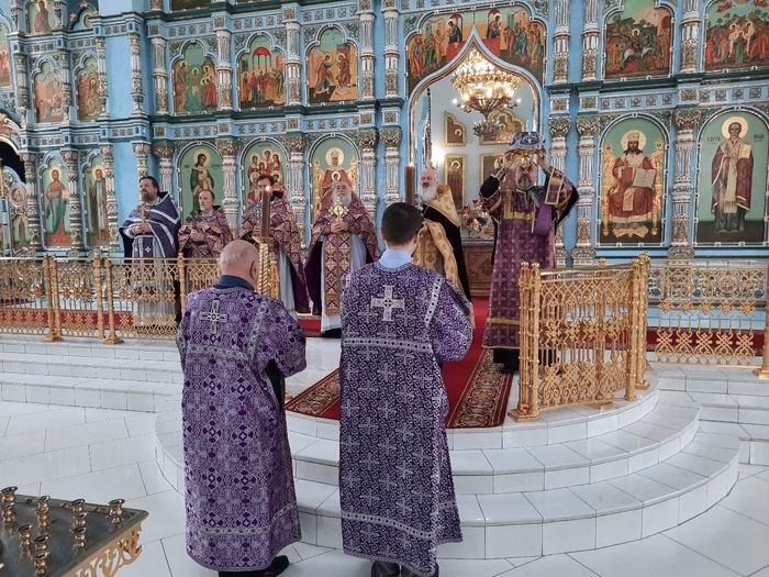 Великий Четверг. Божественная Литургия свт. Василия Великого