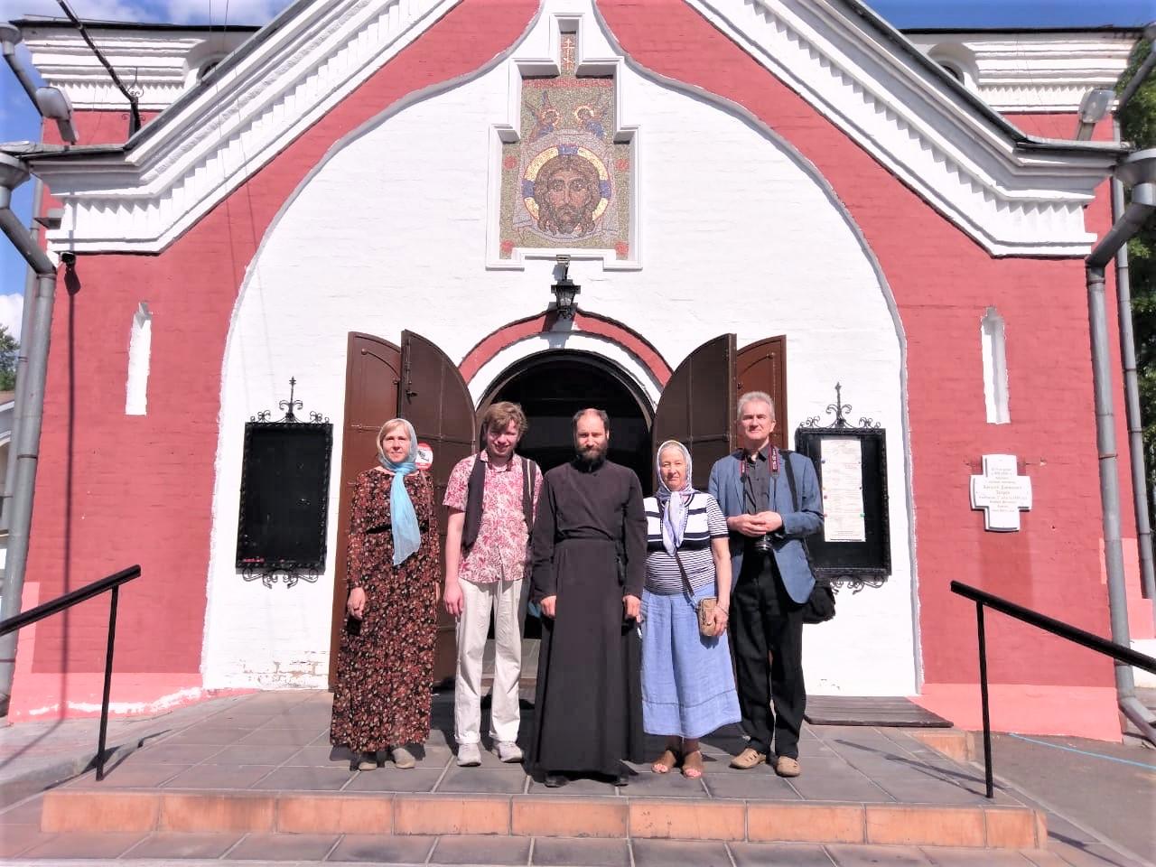 Экскурсия для педагогов в храме Живоначальной Троицы в Борисове