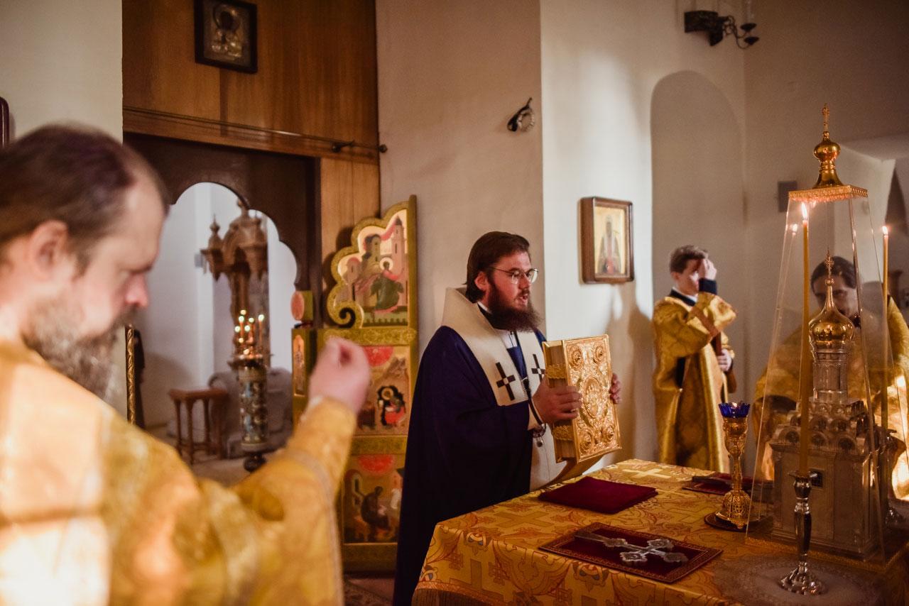 В годовщину архиерейской хиротонии епископ Бронницкий Фома совершил Божественную Литургию