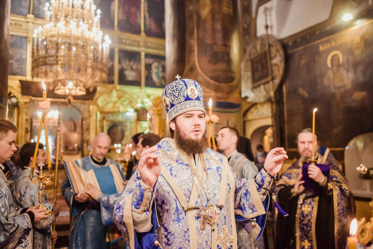Всенощное бдение в Казанском храме в Коломенском