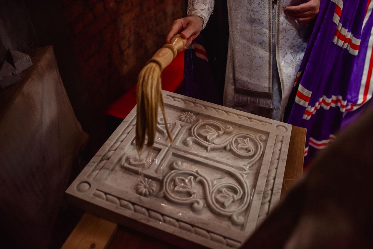 Епископ Сергиево-Посадский Фома заложил капсулу в строящийся храм в честь чуда Архистратига Михаила в Хонех в Братееве