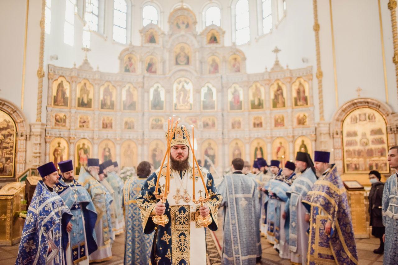 Епископ Фома совершил Литургию в храме Живоначальной Троицы в Орехове-Борисове