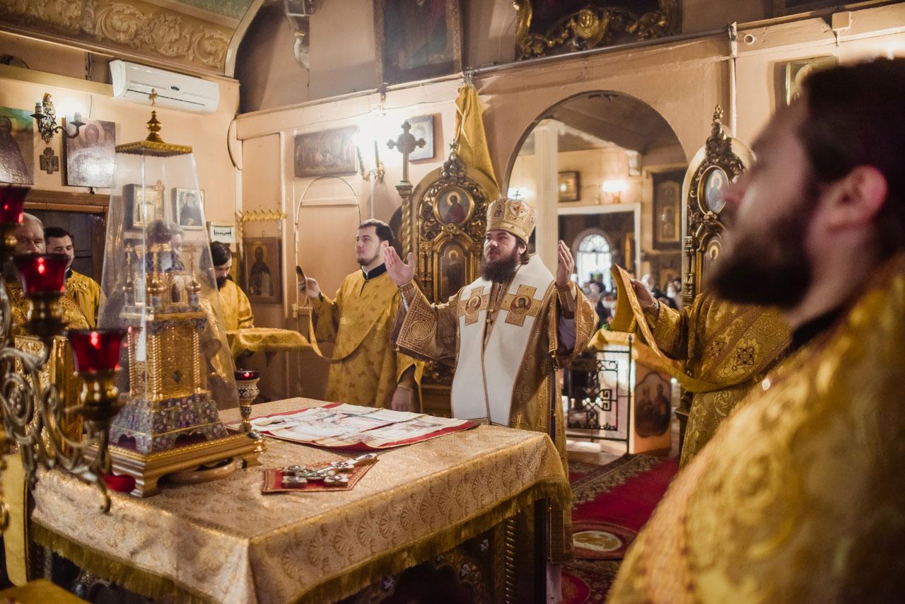 Литургия в храме святителя Николая Мирликийского в Бирюлеве