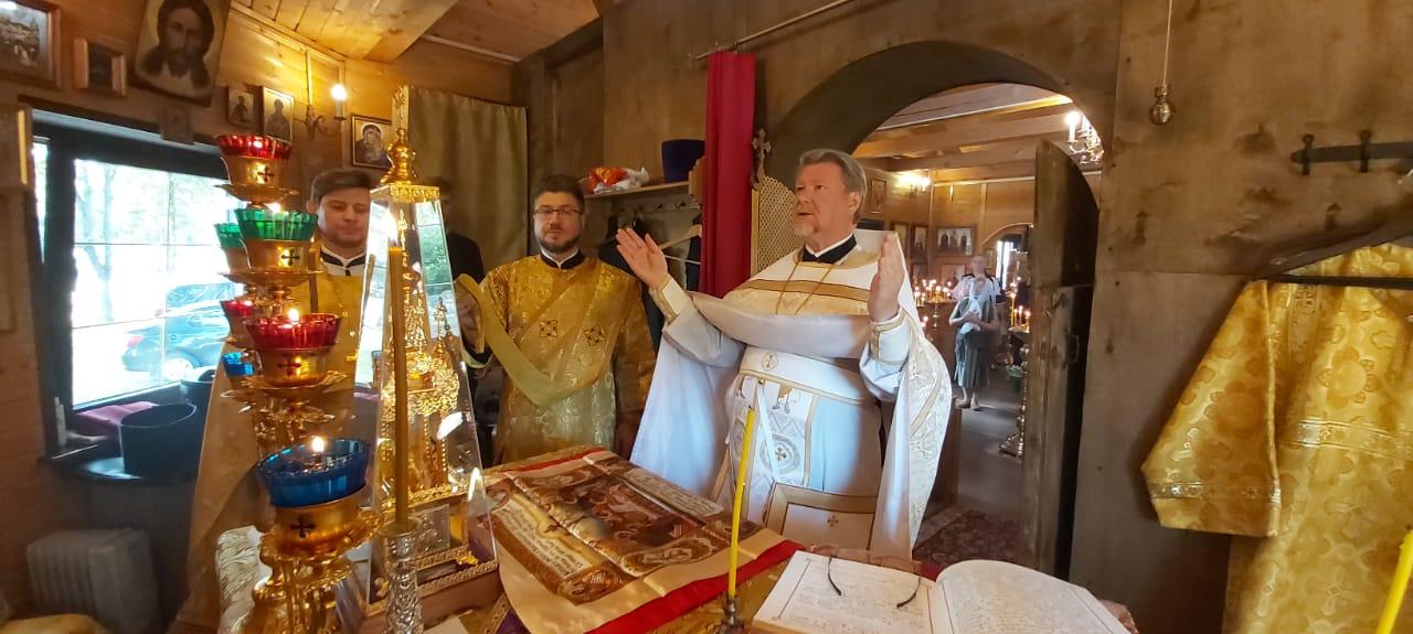Престольный праздник в храме свт. Митрофана, епископа Воронежского в Москворечье