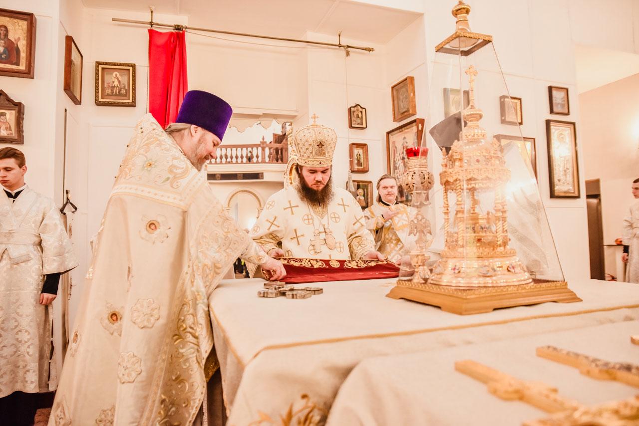 Управляющий Южным викариатством совершил Литургию в храме Живоначальной Троицы в Орехове-Борисове