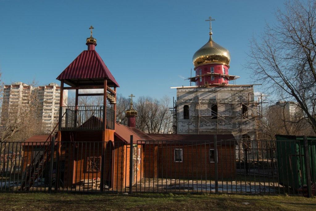 Возобновилось строительство храма Сретения Господня в Бирюлеве г. Москвы