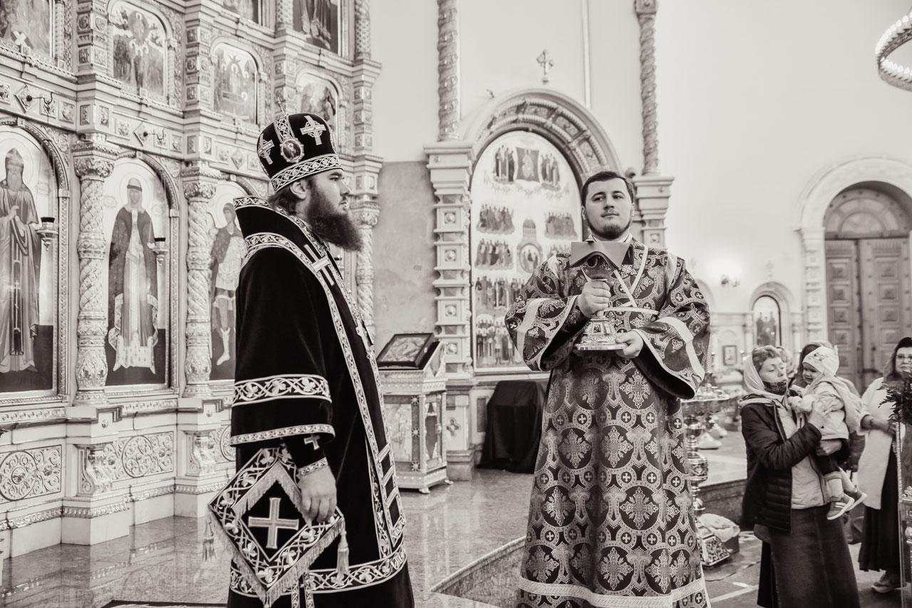 Епископ Фома совершил Литургию Преждеосвященных Даров в храме Живоначальной Троицы в Орехове-Борисове