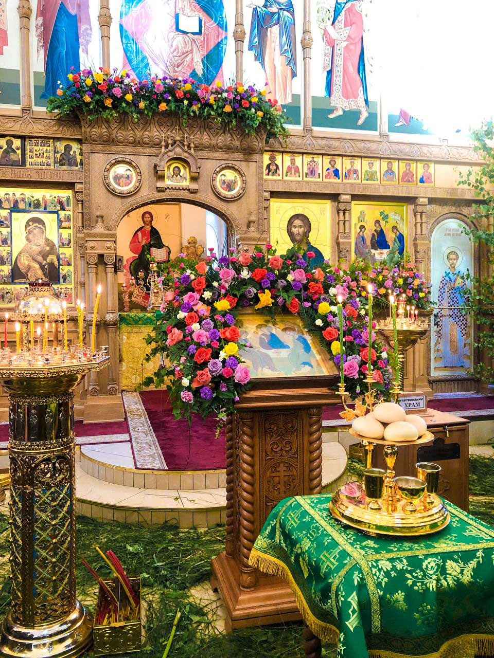 В Храме Входа Господня в Иерусалим в Бирюлеве состоялись торжественные праздничные богослужения