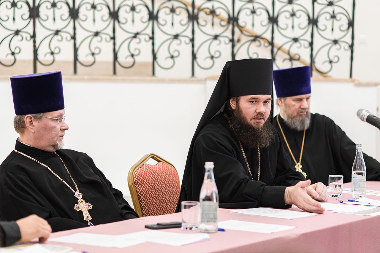 Епископ Фома провел совещание по взаимодействию храмов Южного викариатства и школ ЮАО г. Москвы