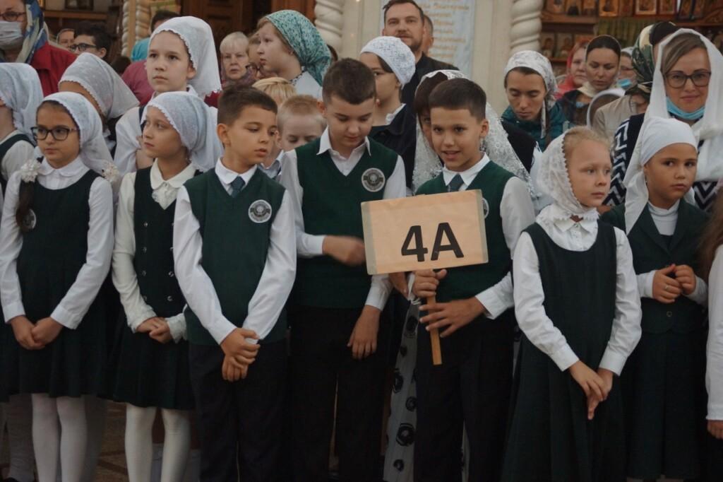 Первый звонок в храме Живоначальной Троицы в Орехове-Борисове